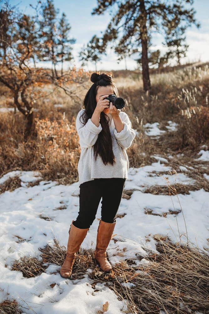 taryn kimberly taking a photo